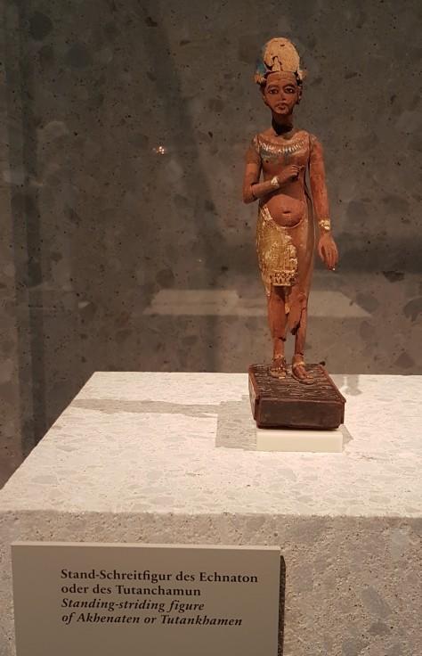 tutankhamun heykeli